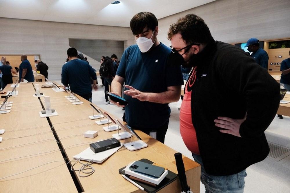 iPhone 13 satışta: Dünyanın dört bir yanında Apple tutkunları yeni iPhone için kuyruğa girdi - 6