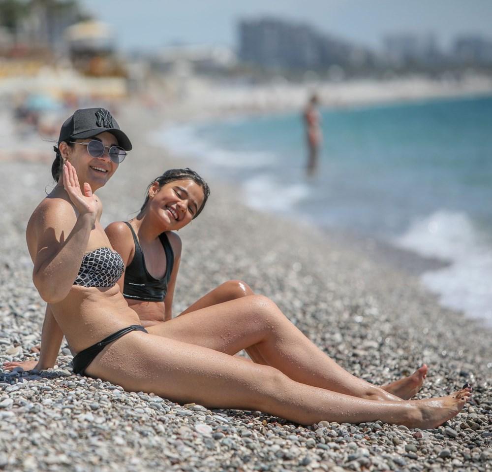 Kısıtlamadan muaf turistlerin deniz keyfi - 6