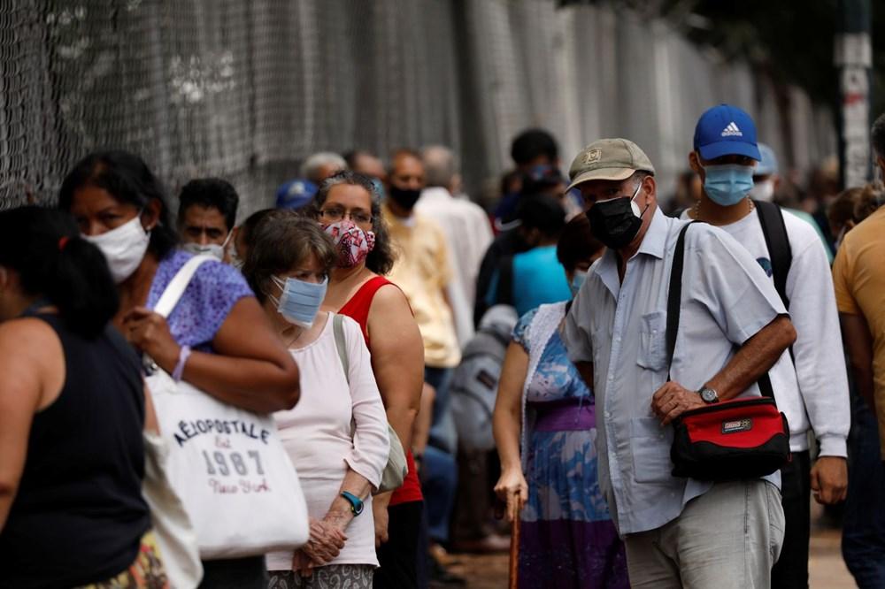 Venezuela'da aşılama başladı: 400 metre kuyruk - 5