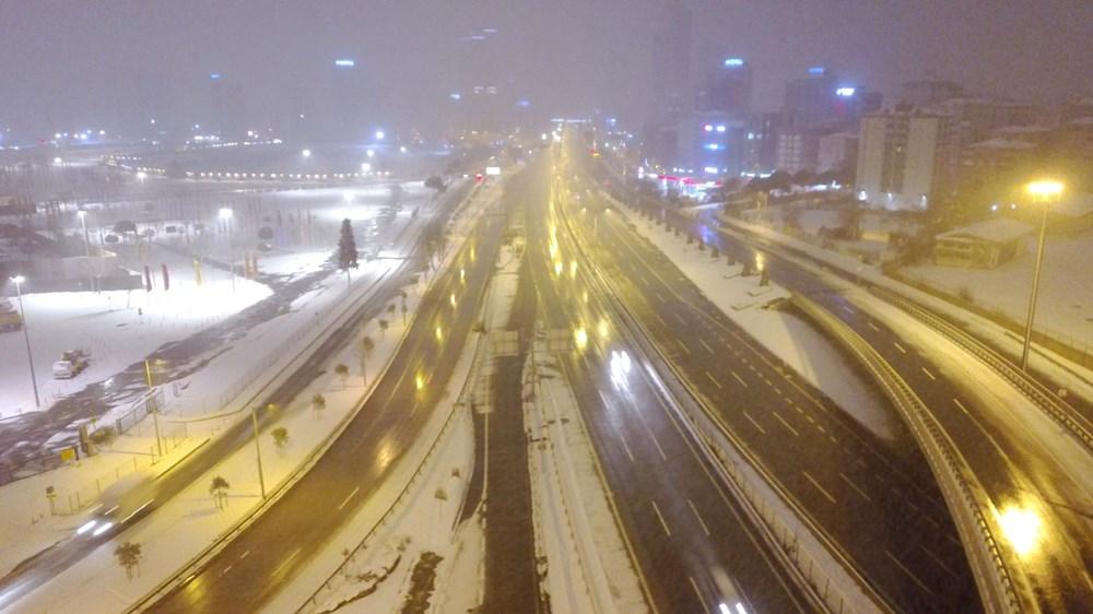İstanbul'da kar yağışı yeniden etkisini artırdı - 23
