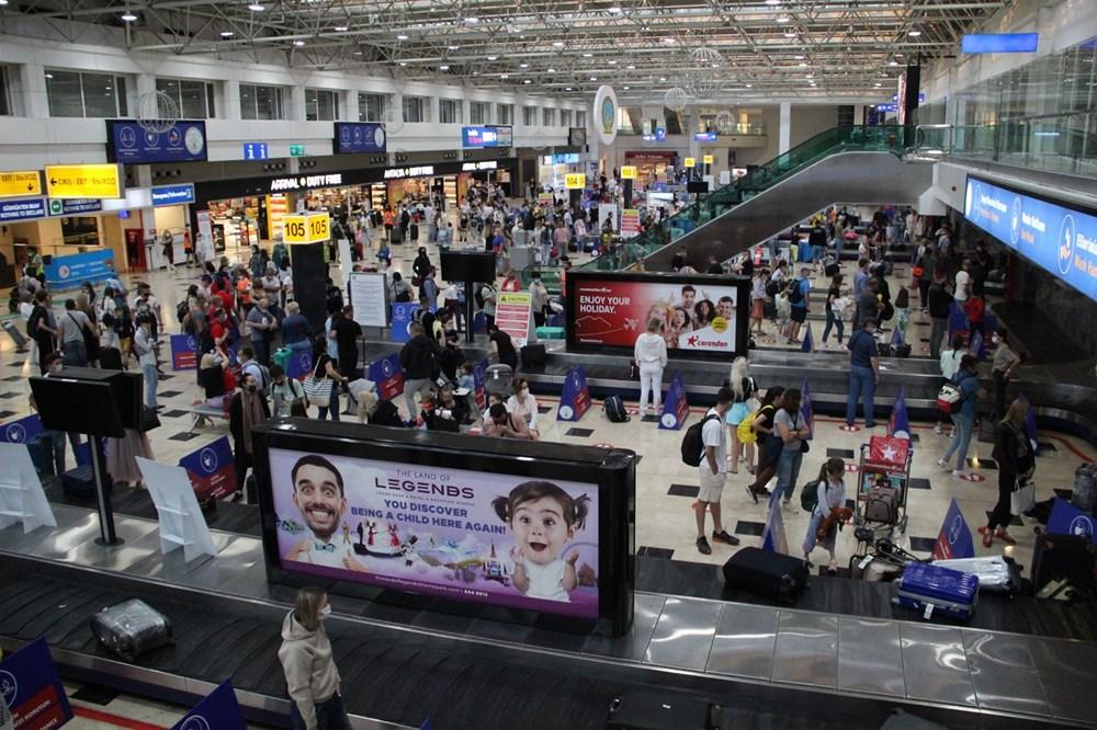 Kapılar açıldı, Ruslar akın akın geliyorlar! Rusya'dan hava trafiği yüzde 45 arttı - 24