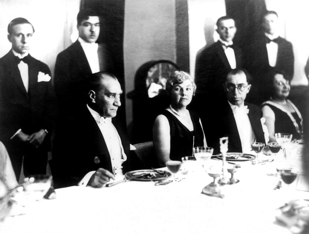 Mustafa Kemal Atatürk'ün ebediyete intikalinin 82. yılı (10 Kasım 1938) - 31