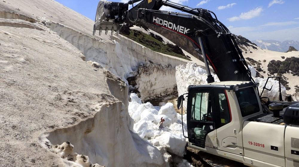 Yüksekova'da, mayıs sonu 8 metrelik karla mücadele - 7