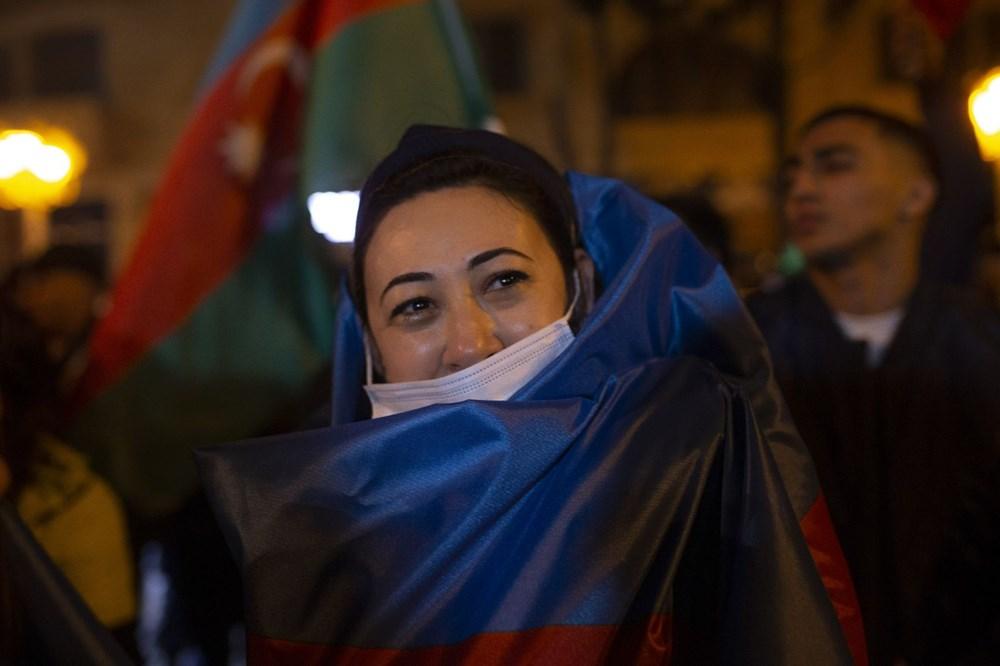 Azerbaycanlılar, Dağlık Karabağ'da varılan anlaşmayı coşkuyla kutluyor - 5