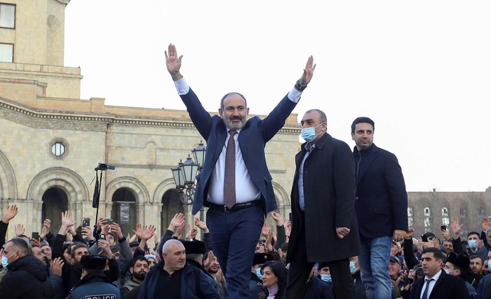 Ermenistan'da darbe girişimi: Paşinyan destekçileri ve karşıtları meydanlara çıktı - 4