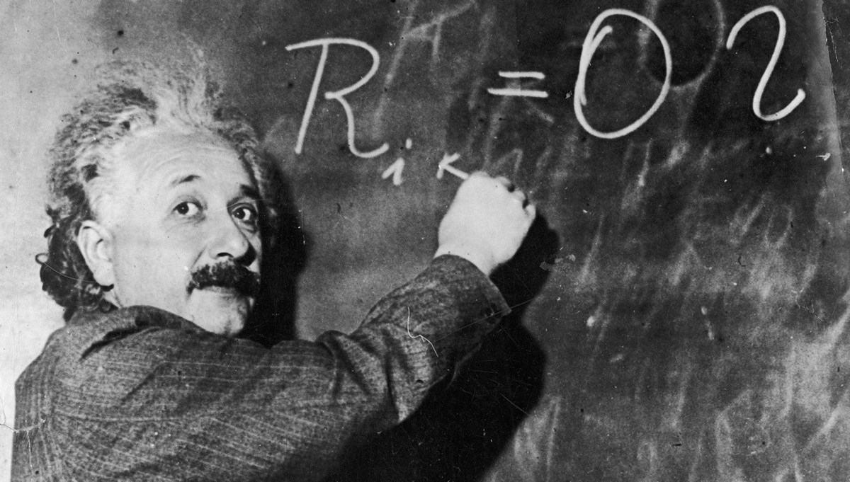 Albert Einstein'in genel görelilik teorisi 100 yıl sonra kanıtlandı: Stanford araştırmacıları uzayın büküldüğünü ilk kez gözlemledi