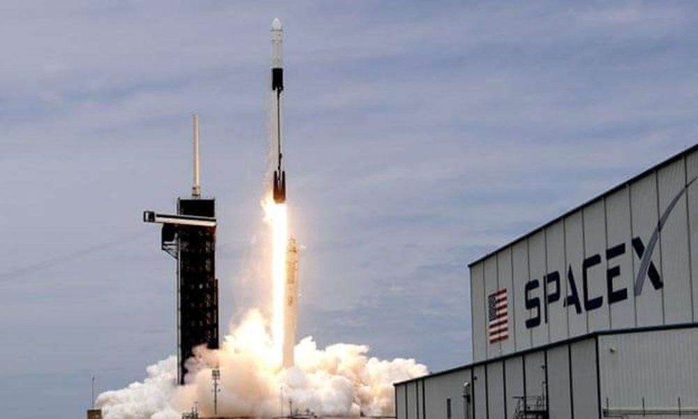 NASA'nın kargo gemisi istasyona kenetlendi - 1