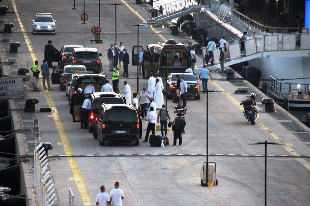 Katar kraliyet ailesi Bodrum'da: 2 kamyon eşya, 500 valiz - 11