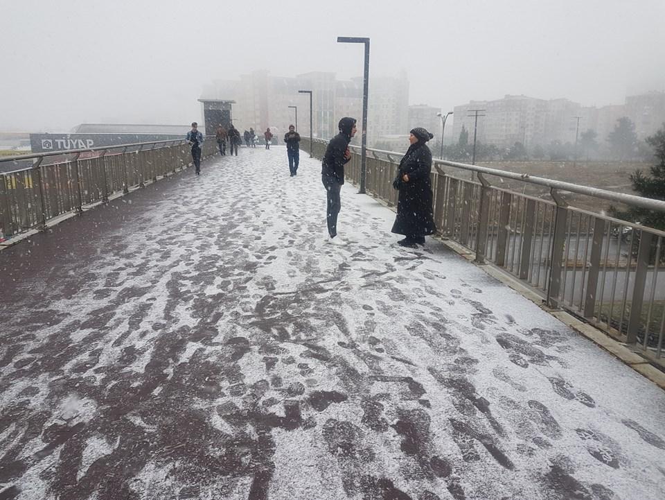 Geçen yıl İstanbul'a ilk karın düştüğü 12 Aralık'ta bu görüntüler ortaya çıkmıştı.