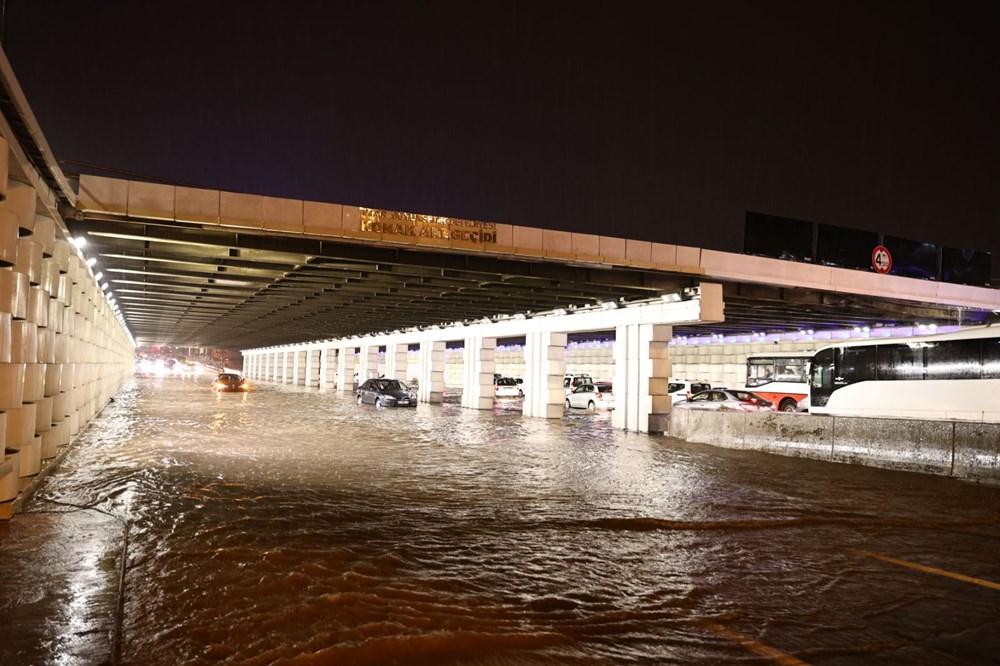 İzmir'i sel vurdu: 2 can kaybı - 20