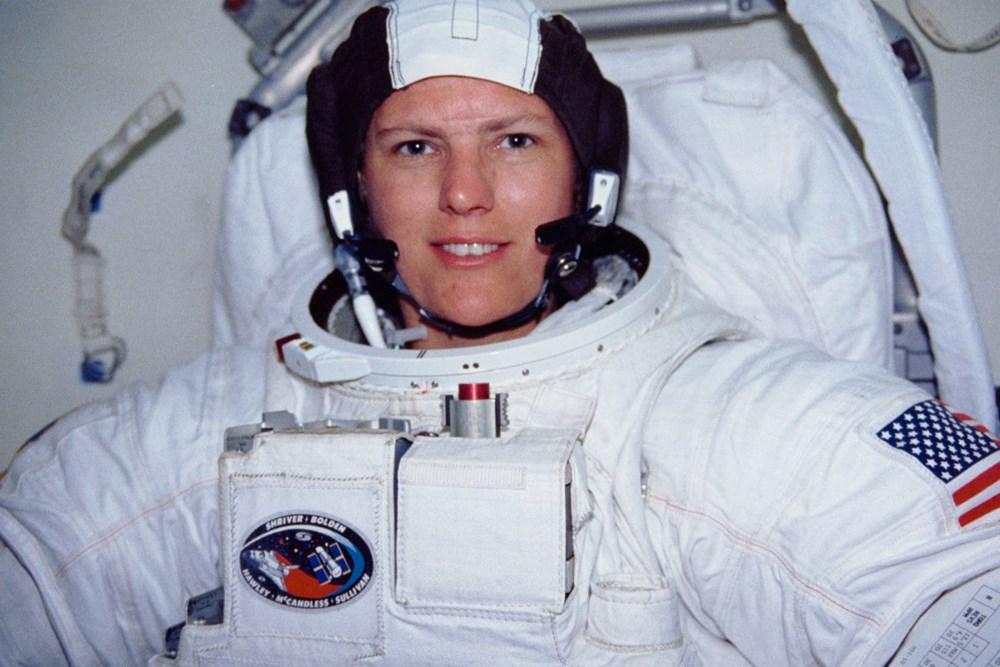 Uzayda yürüyen ilk ABD'li kadın astronot yeniden tarih yazdı - 11