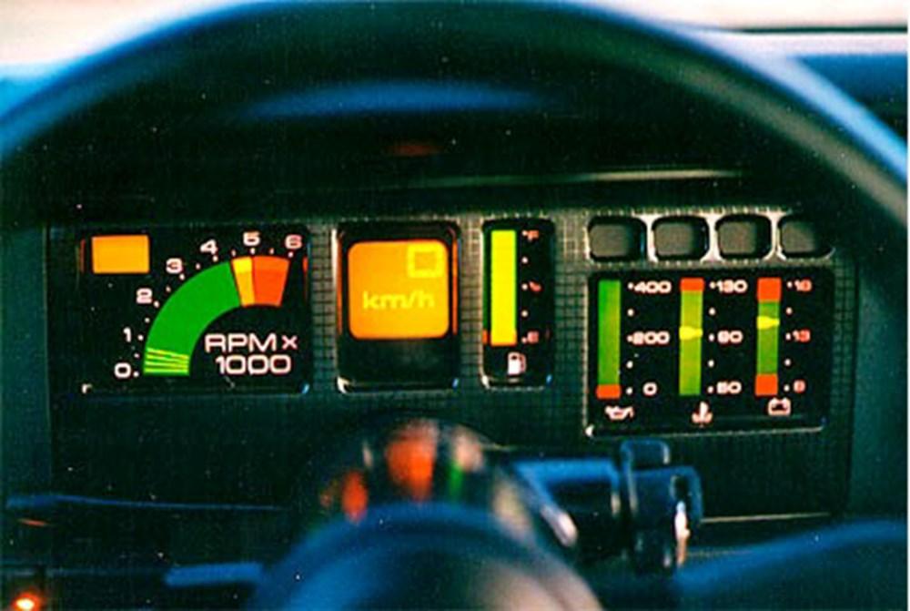80'li yıllara damgasını vuran otomobil konsolları - 6