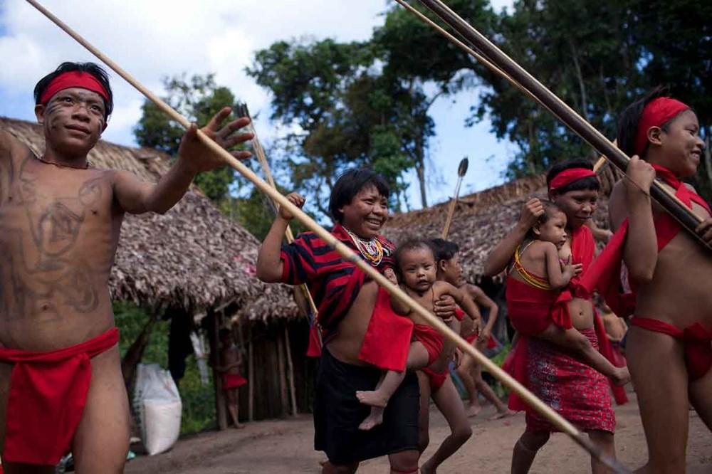 Amazon'un son  kabilesi altın avcıları nedeniyle tehlikede - 5