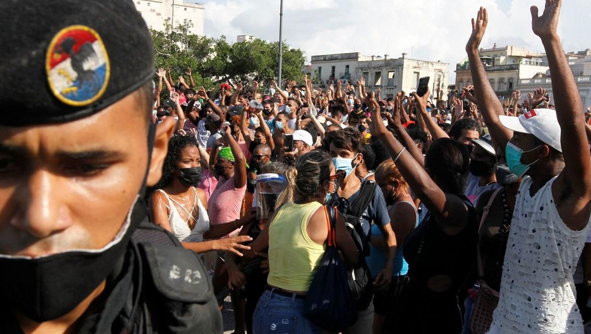Küba'da hükümete karşı protesto