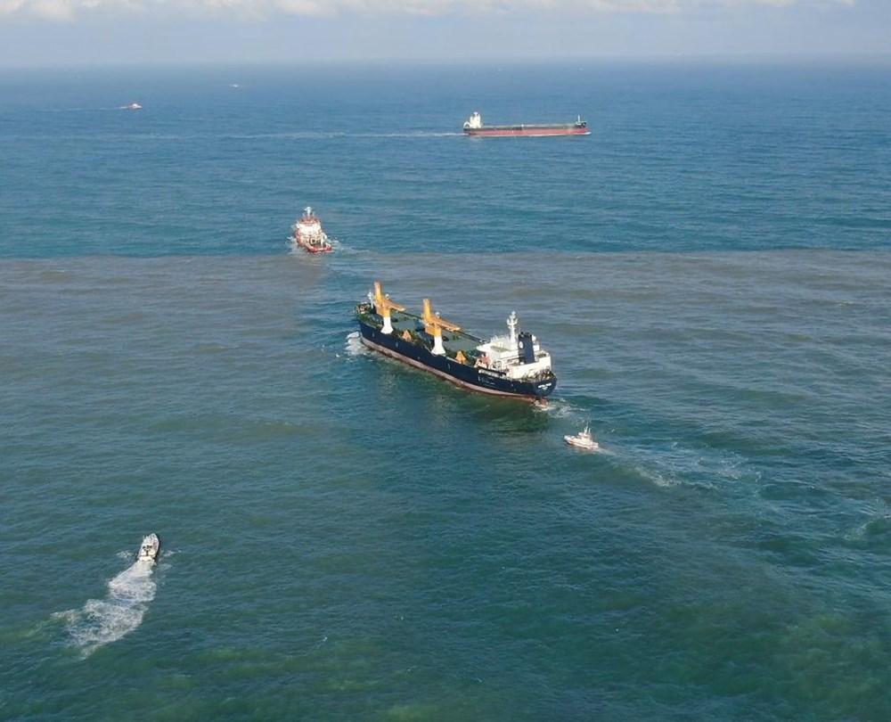 Riva'da sürüklenen kargo gemisi kurtarıldı - 4