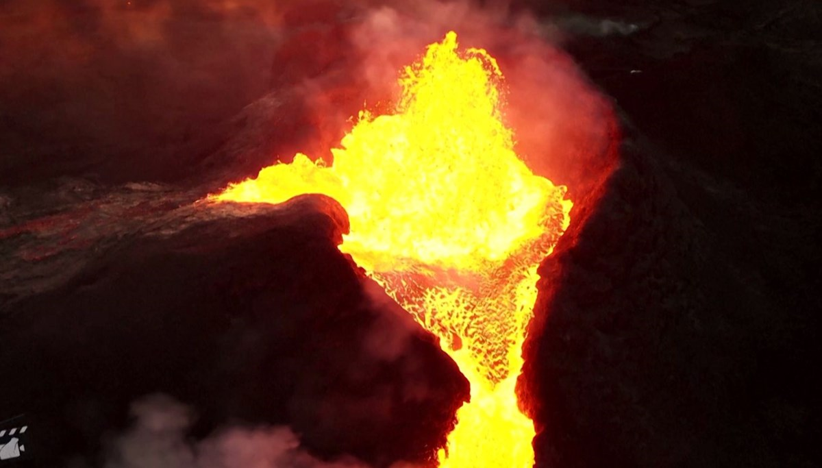 Dance of lava in Iceland
