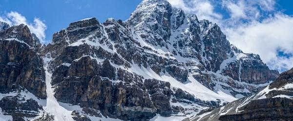 Dünyanın en ünlü dağcıları çığ felaketinde kayboldu
