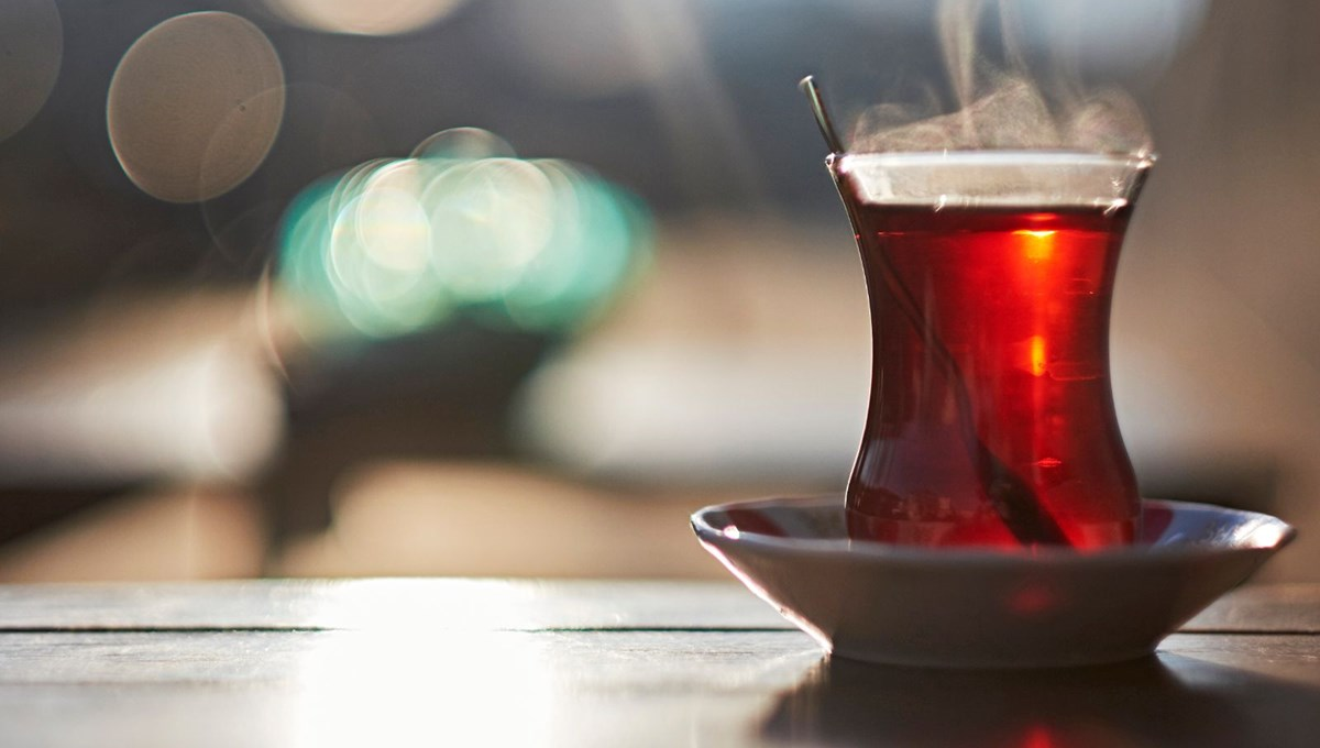 'Çay şekerli mi içilir, şekersiz mi' tartışmasına Dadaşlar 'kıtlama' dedi