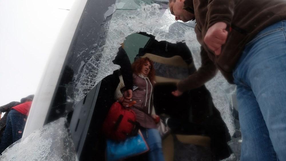 Konya'da 2 tur otobüsü devrildi: 1 Rus turist öldü, çok sayıda yaralı - 12