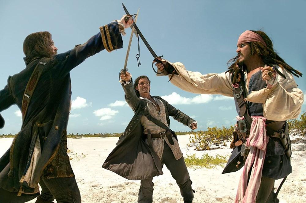 Johnny Depp tahtını Margot Robbie'ye kaptırabilir (Karayip Korsanları hakkında her şey) - 11