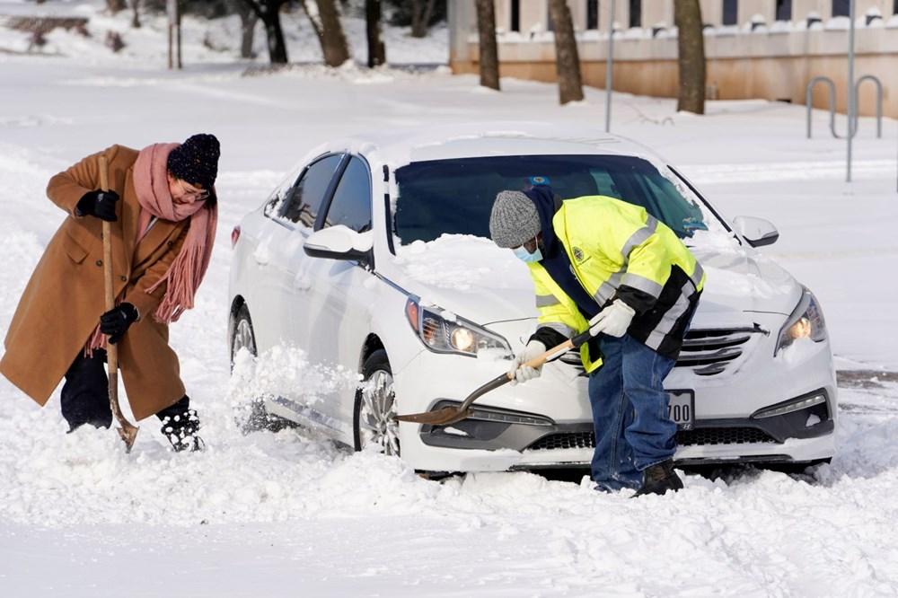 ABD'de kutup soğuklarıyla mücadele: 20 kişi yaşamını yitirdi - 11
