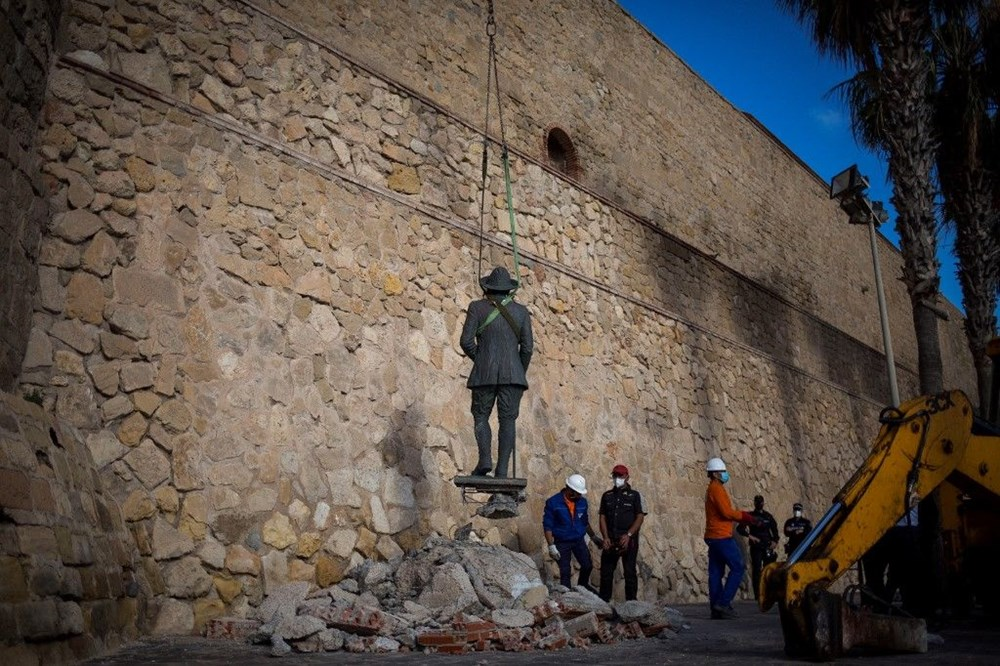 İspanya'da Francisco Franco'nun son heykeli de kaldırıldı - 2