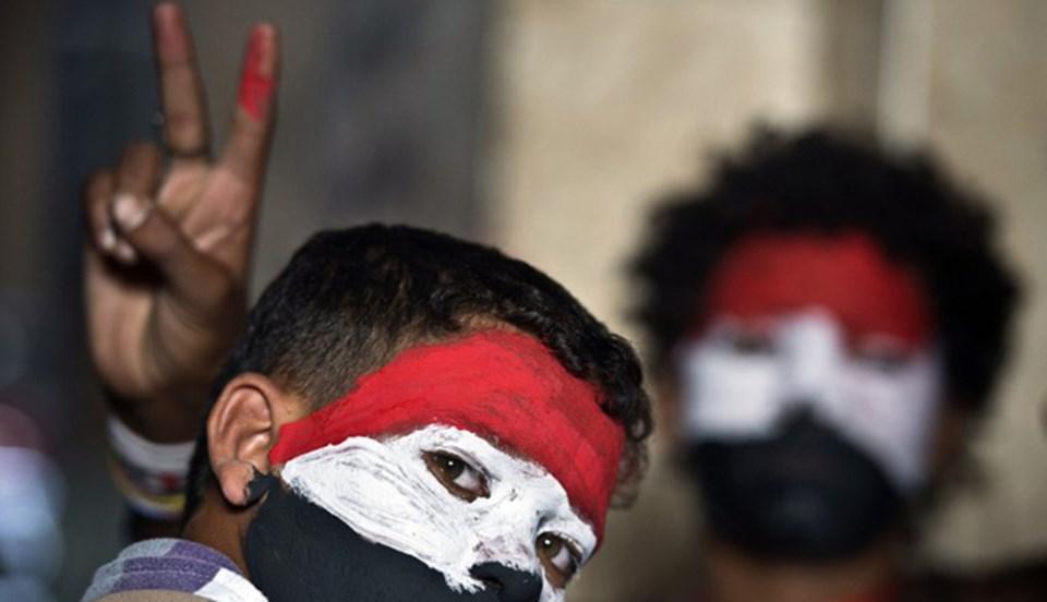 Mısır'da günlerdir devam eden gösterilerde onlarca kişi hayatını kaybetti.