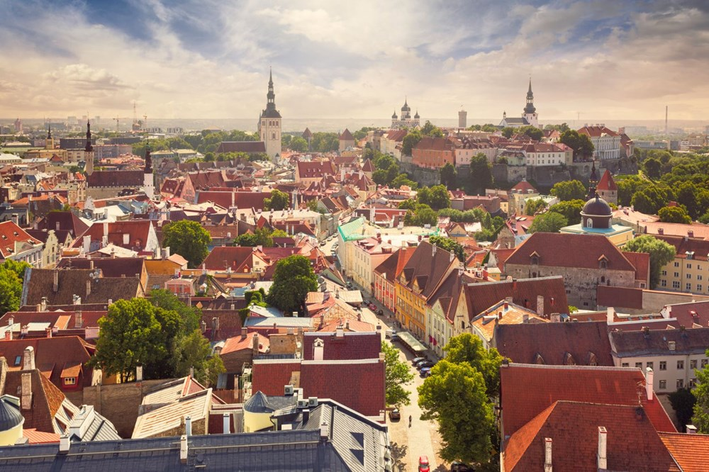 Which country in Europe is suitable for traveling, for whom and when?  - 13