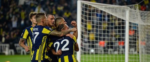 Fenerbahçe, UEFA Avrupa Ligi'nde Slimani'nin golleriyle kazandı