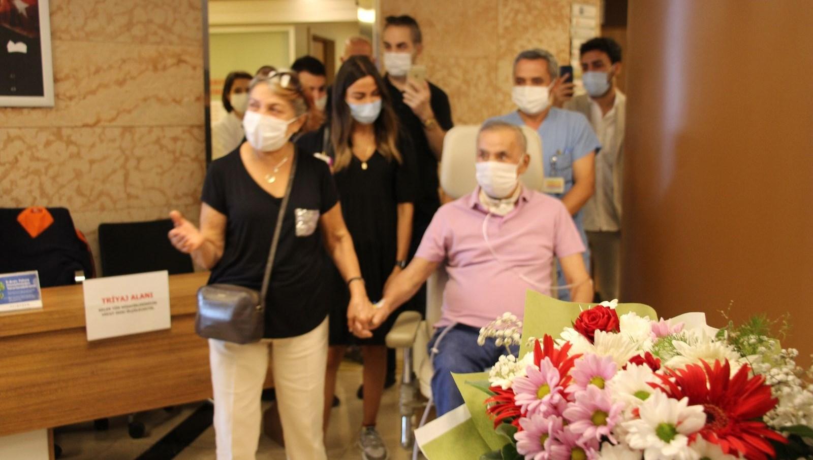 4 ay sonra yoğun bakımdan çıkan corona hastası: Neden herkes maskeli?