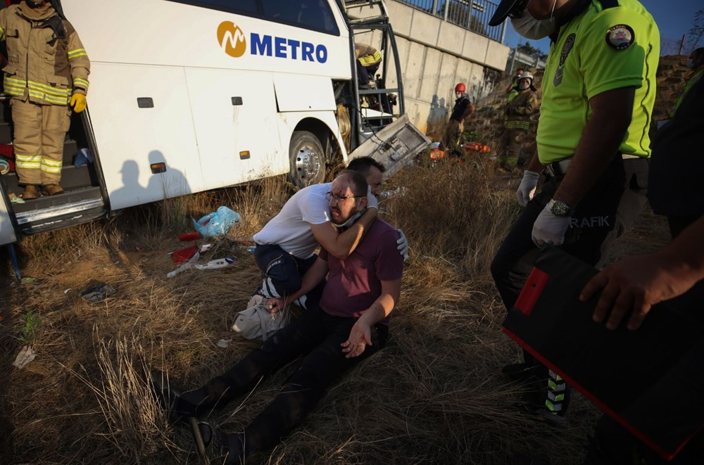Kuzey Marmara Otoyolu'nda otobüs yoldan çıktı: 5 ölü, 25 yaralı - 4
