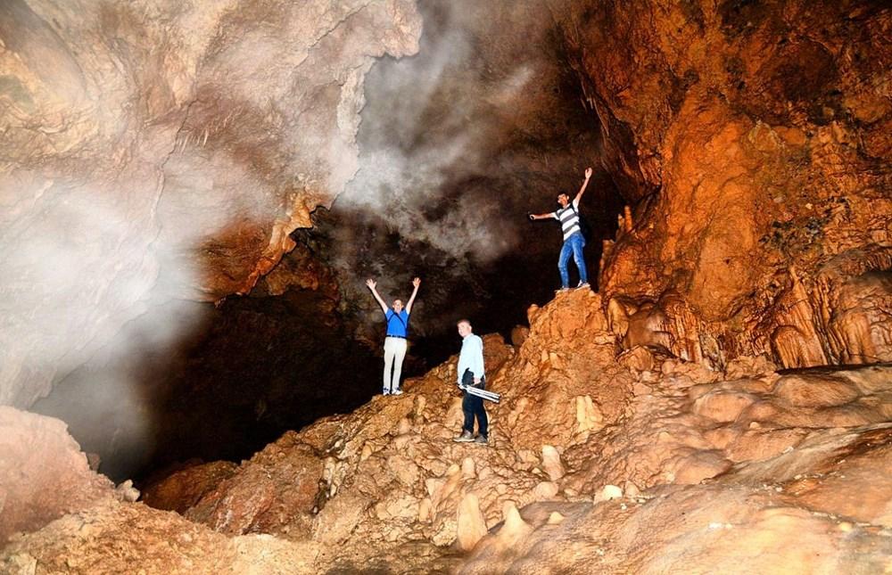 Kahramanmaraş'ın iki göllü Ericek Gümüşkaya Mağarası görenleri hayran bırakıyor - 3