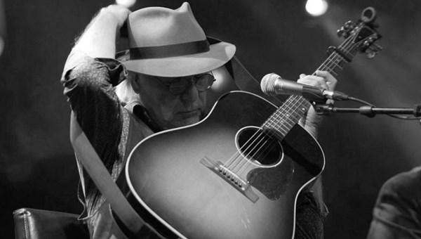ABD'li şarkıcı David Olney hayatını kaybetti