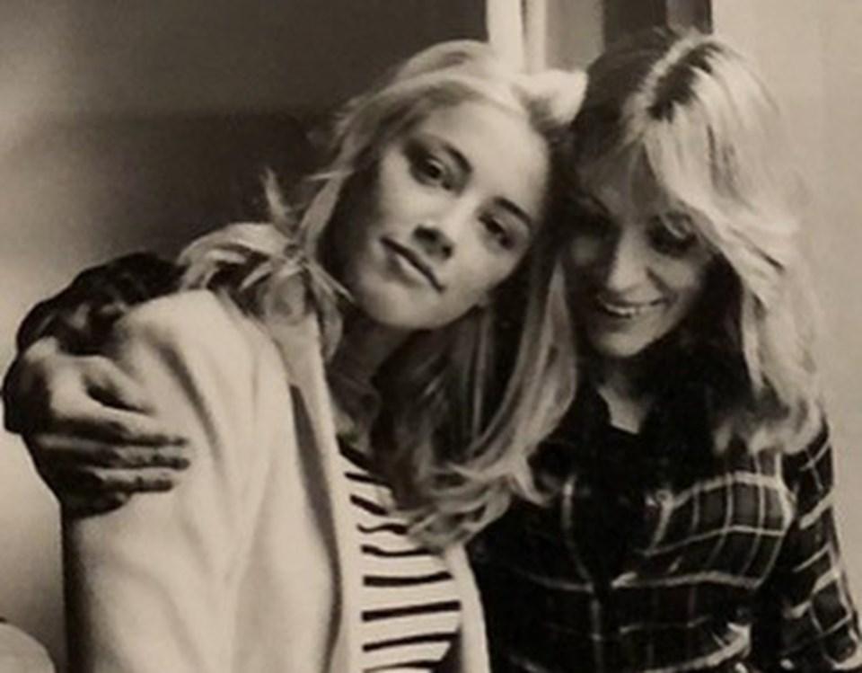 Amber Heard ve annesi Paige Heard
