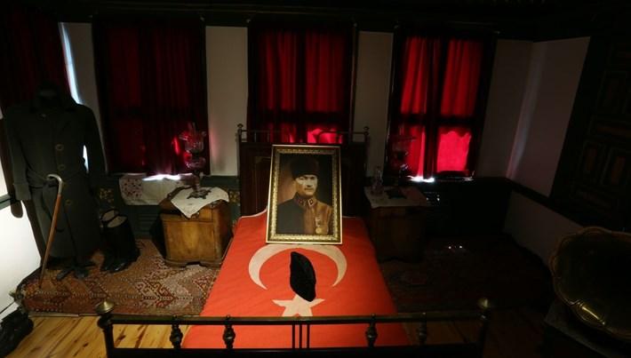 Atatürk'ün 98 yıl önce kaldığı konak ziyarete açıldı
