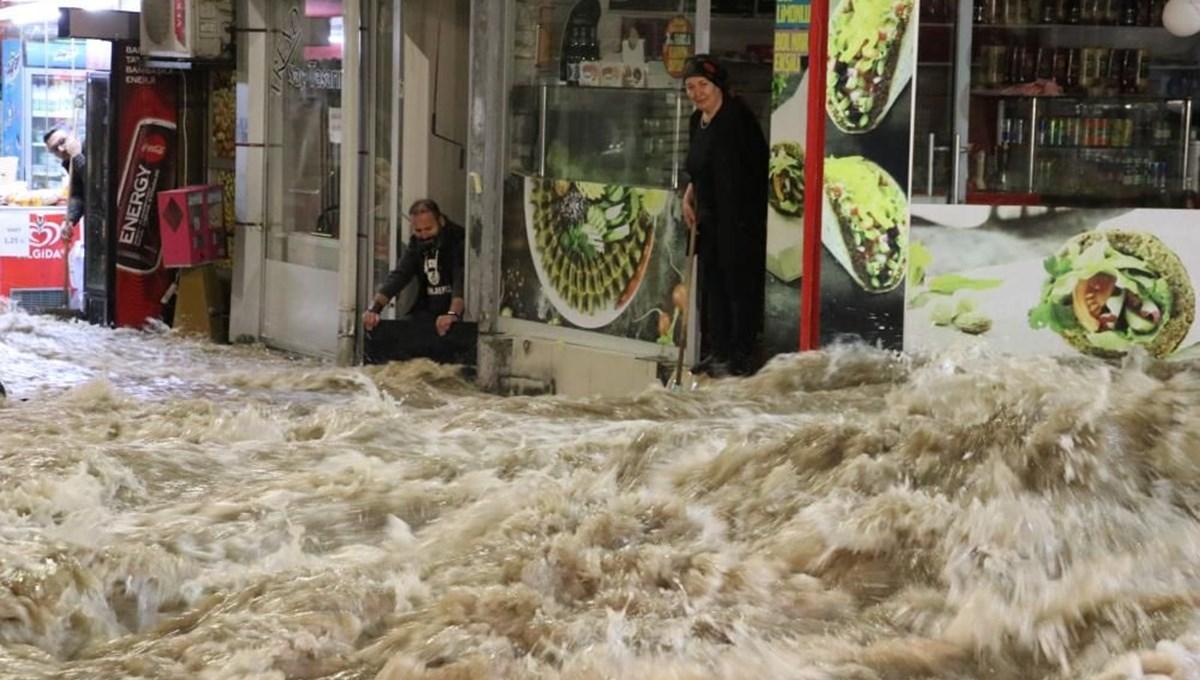 Sivas'ta içme suyu ana hattı patladı