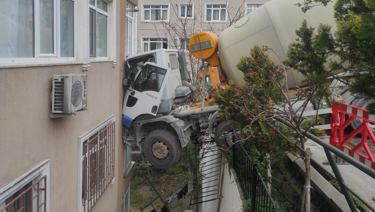 İstanbul'da beton mikseri 7 katlı binaya çarptı