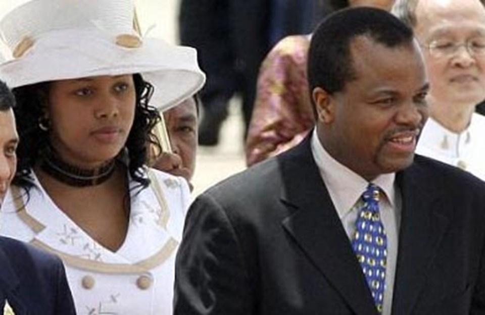 Swaziland Kralı 3. Mswati ve eşi Nothando Dube.