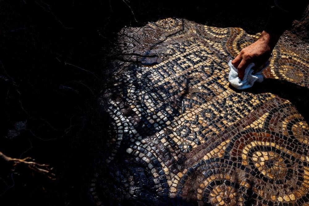 İzmir'de kaçak kazı sırasında manastır ve 1500 yıllık mozaik bulundu - 7