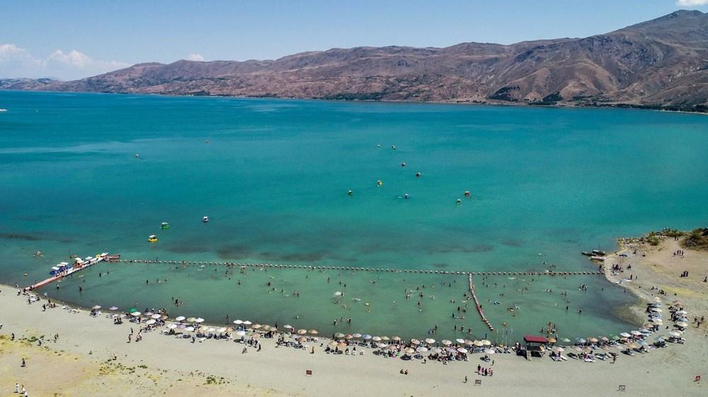 Hazar Gölü ile ilgili görsel sonucu
