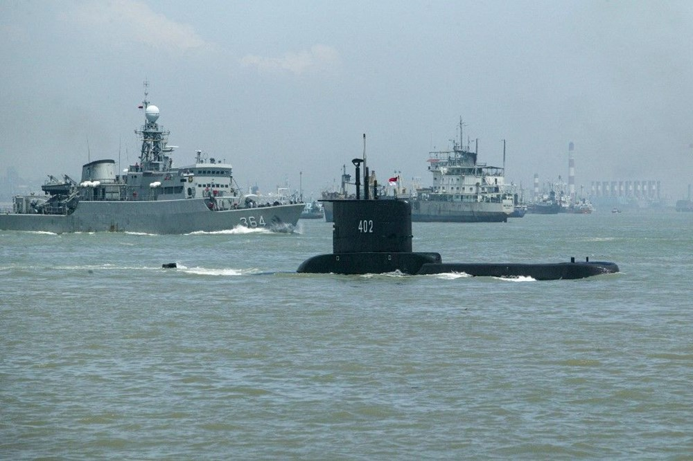 Missing submarine wreck fragments found in Indonesia - 2