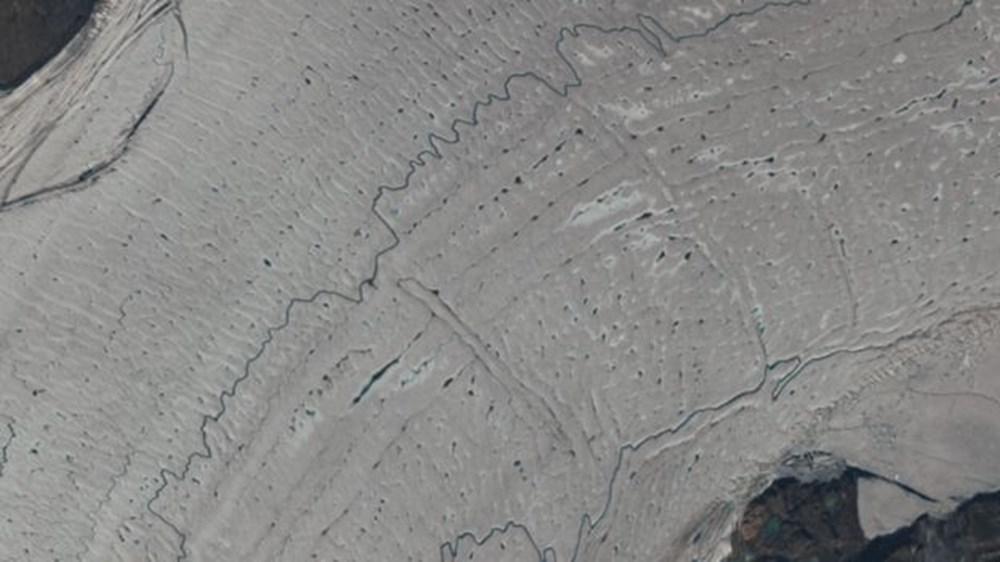 İklim değişikliği nedeniyle Grönland'de büyük bir buz tabakası koptu - 3