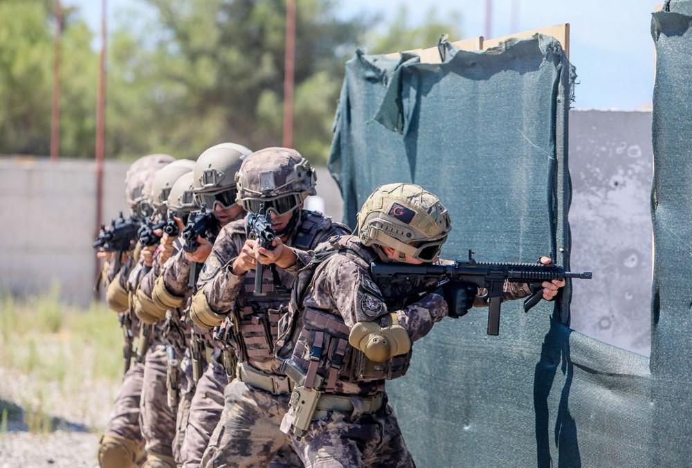 Özel Harekat'tan 35 derece sıcakta zorlu eğitim: Yerli silah 'Çılgın kız' dikkat çekti - 20