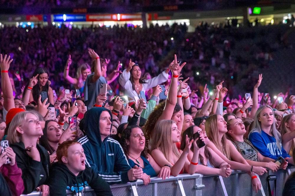 Dünya karantinadayken Yeni Zelanda'da 50 bin kişilik konser - 5