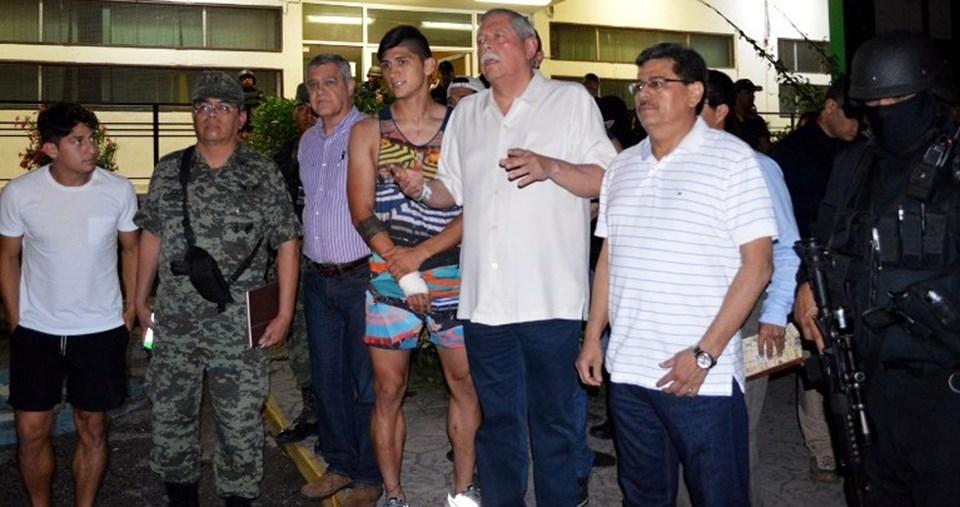 Meksikalı futbolcu Alan Pulido kurtarıldıktan sonra basın karşısına çıktı.