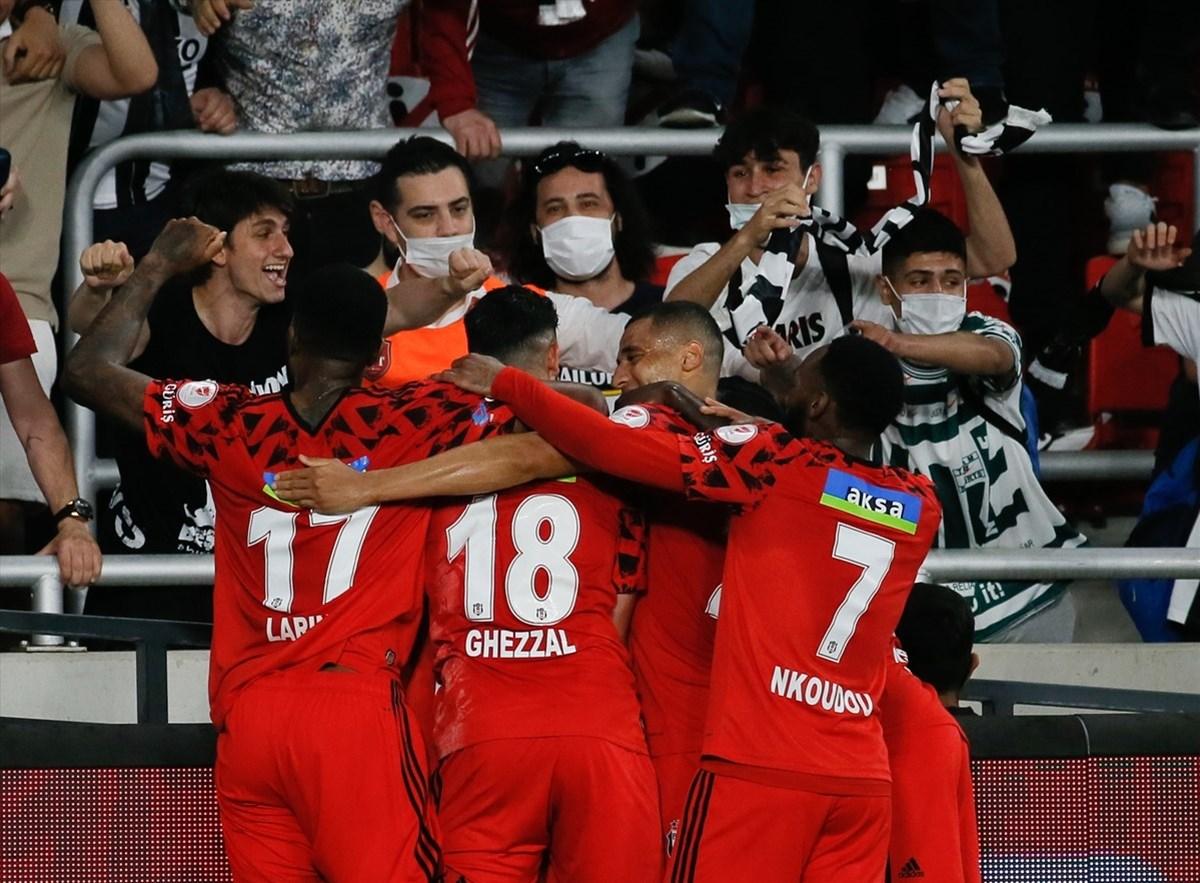 SON DAKİKA:Ziraat Türkiye Kupası Beşiktaş'ın