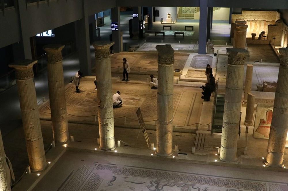 Zeugma Mozaik Müzesi'ndeki eserler, cerrah hassasiyetiyle temizlenerek geleceğe aktarılıyor - 4