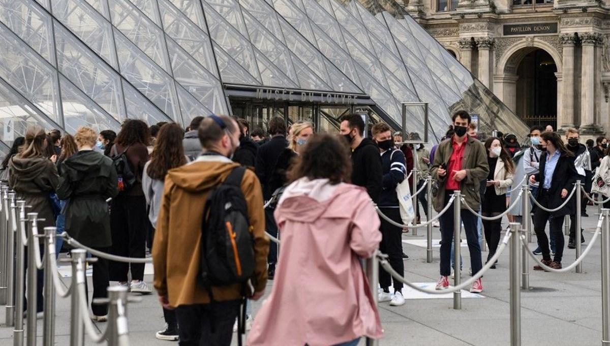 Fransa'da sinema ve müzeler yeniden açıldı