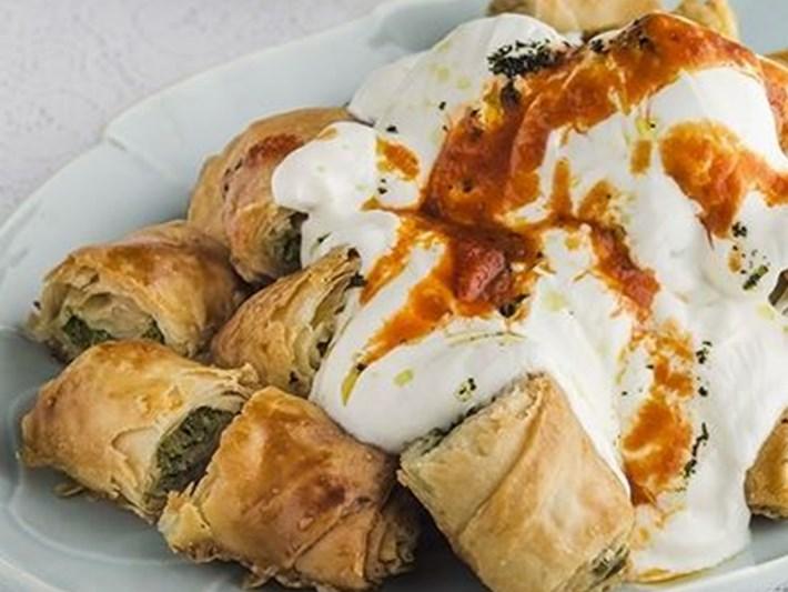 Simfer'le Bayram Hazırlıkları: Sarımsaklı Yoğurtlu Ispanaklı Börek