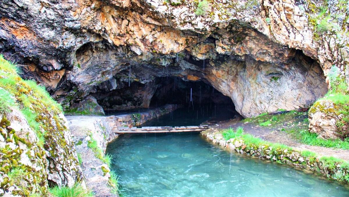 Kahramanmaraş'ta 'Mağara Gözü' doğal güzelliğiyle ilgi çekiyor